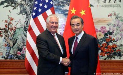 Rex Tillerson se reúne con líderes chinos