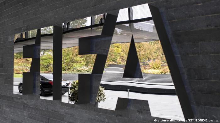 FIFA amenaza con suspender a Perú por cambio legal
