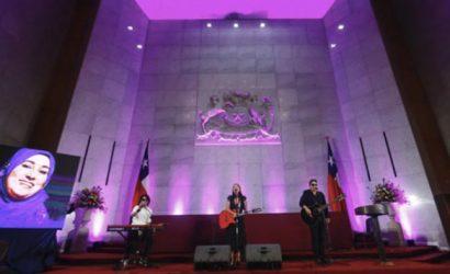 Congreso pagó $1,8 millones al grupo de Denisse Malebrán, ex asesora de Sebastián Dávalos, por interpretar tres canciones para el Día de la Mujer
