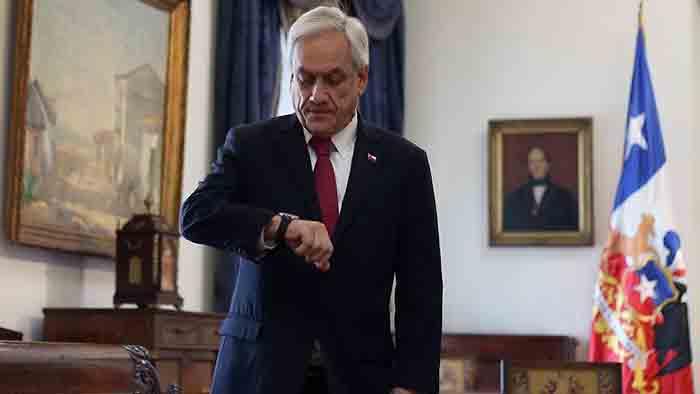 Piñera veta ingreso a Chile de un centenar de chavistas