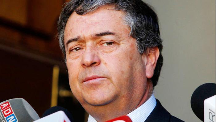 """""""No es casual"""": atacan sede parlamentaria de senador Juan Antonio Coloma en Talca"""