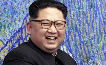 """Kim Jong-un estrena su nuevo """"juguete"""": así es el sistema lanza cohete múltiple con el que Corea del Norte desafía al mundo"""