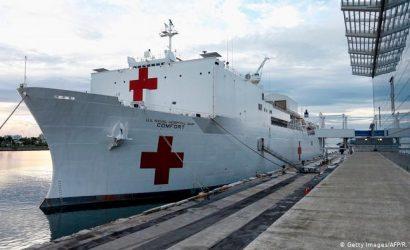 Buque hospital de EE.UU. llega a Colombia para atender a refugiados venezolanos