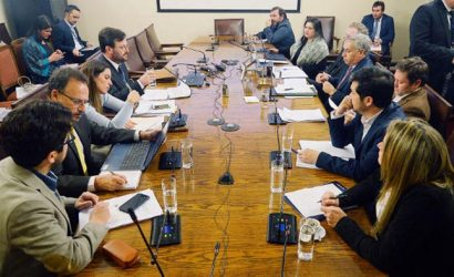 Suspenden sesión para revisar acusación constitucional contra Cubillos: invitados no aceptaron cita