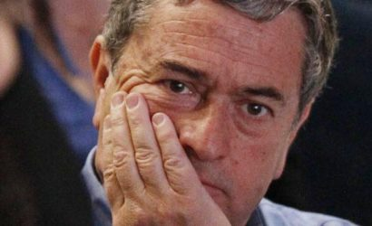 Atacan sede parlamentaria del senador Juan Antonio Coloma en Talca