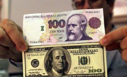 Dólar se dispara en el mercado informal de Argentina tras aplicación de impuesto