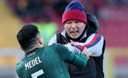 Prensa mundial comenta la insólita discusión entre Medel y su DT y califica como un «ataque» la reacción del chileno