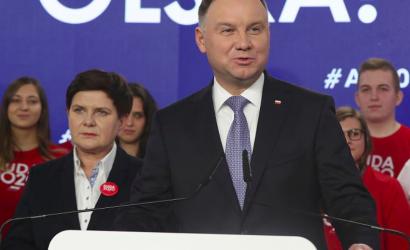 El presidente de Polonia dice que la «ideología» LGBT es peor que el comunismo