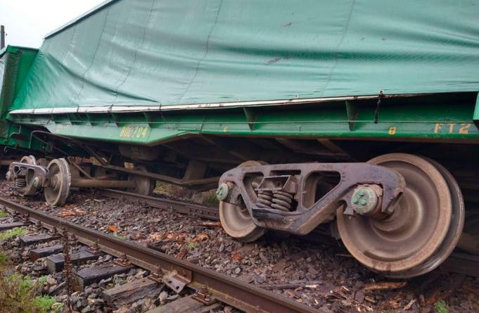 Tren de carga descarrila en Pidima, Ercilla: PDI y fiscalía investigan atentado tras ataque con armas de fuego
