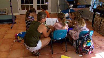 """Una polémica tendencia crece en EEUU entre las familias que buscan educación de calidad sin riesgo de coronavirus para sus hijos: """"Pandemic pods"""""""