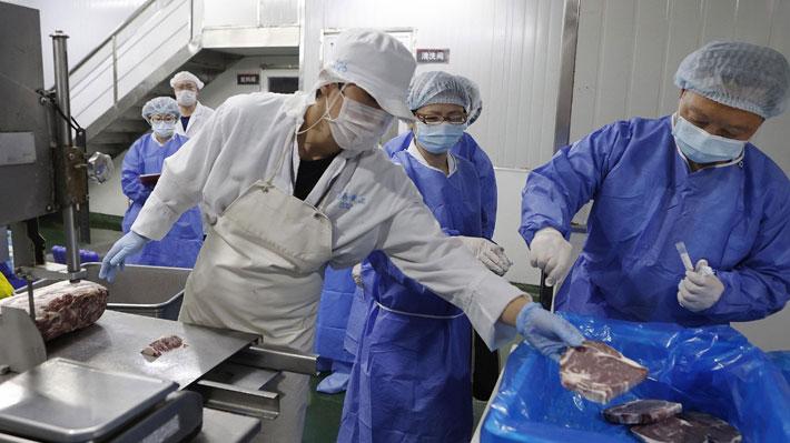 China denuncia que encontró virus del covid-19 en envases de mariscos importados de Chile