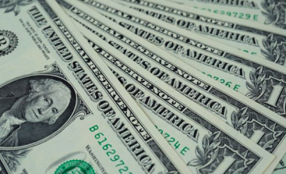 Dólar parte semana alzándose sobre $730 e incertidumbre se agudiza ante nueva cepa del covid en UK