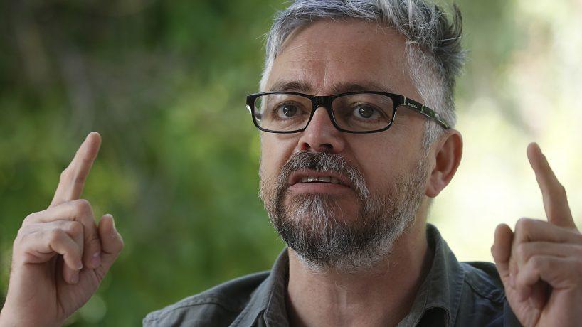 """Parlamentarios UDI invitan al PS a """"repensar"""" candidatura de Jorge Baradit: """"Es un insulto para las mujeres"""""""