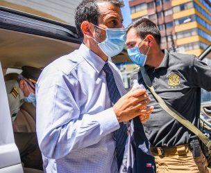«Si entras te voy a aforrar»: Ministro Delgado vive tenso momento en velorio de agricultor