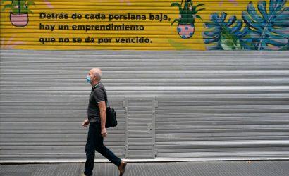 Según una encuesta, al 56% de los argentinos le preocupan más las consecuencias económicas de la pandemia que infectarse con el virus