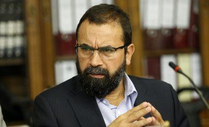 Fiscalía llevará a Hugo Gutiérrez a juicio simplificado por supuestas amenazas contra la Armada