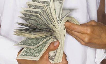 Nuevo estudio rebate famosa teoría de que «el dinero no hace la felicidad»