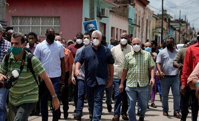 Presidente cubano convoca a sus partidarios a enfrentar las protestas callejeras: «La orden de combate está dada»