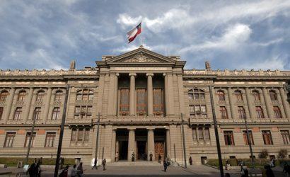 Corte Suprema acoge recurso de protección y ordena financiar tratamiento de dos hermanos con atrofia medular espinal