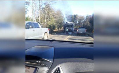 Destruyen camión durante ataque incendiario en la ruta que une Curacautín con Victoria