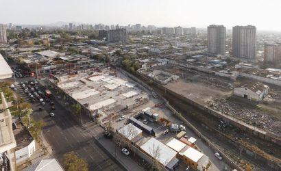 Menos bancos y supermercados: cómo cambió la Región Metropolitana a dos años de las manifestaciones del 18-O