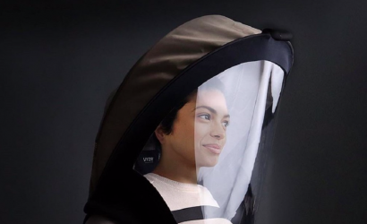 Diseñan un protector facial similar a un casco de astronauta con sistemas de purificación de aire