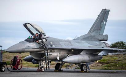 EEUU aprueba compra chilena por 634,7 millones de dólares para renovar flota de aviones F-16