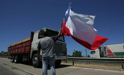 Camioneros anuncian movilizaciones tras nuevo ataque en La Araucanía: «El paro ya está votado y aprobado a nivel nacional»