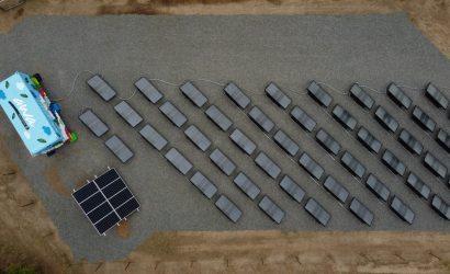 Una startup chilena genera agua potable a partir del aire con energía solar