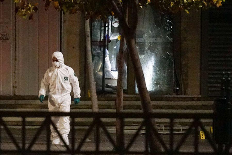 Explosión se registró en sucursal de BancoEstado en mall Apumanque de Las Condes