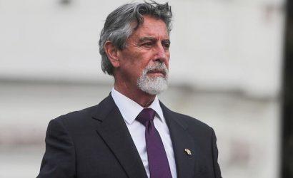 El presidente de Perú pide investigar una carta en la que exmilitares llaman a desconocer una eventual victoria de Pedro Castillo