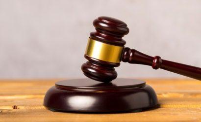 Tribunal español acoge recurso presentado por Asociación de Abogados Cristianos y declara contrario a derecho la colocación de bandera LGTBI en Ayuntamiento de Zaragoza