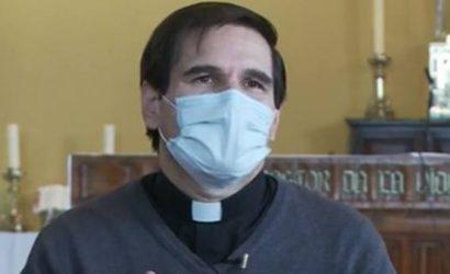 Sacerdote abre debate: Dice que no lo dejaron despedir a paciente agónico en hospital