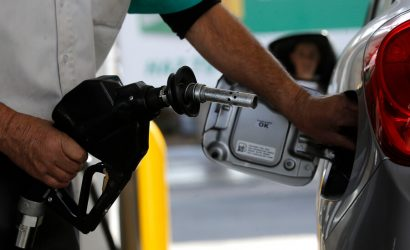 Ministro de Hacienda advierte que bencinas seguirán al alza «en las próximas  semanas»